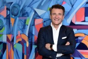 Robert Herjavec From 'Shark Tank' Visits LinkedIn For Interview With Daniel Roth