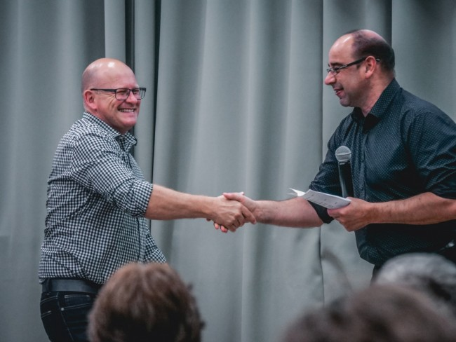 Benefits of Giving Employee Recognition Awards