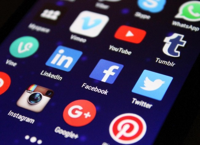 5 Tips for Starting a Career as a Social Media Manager