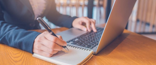 What does an online degree add to your résumé?